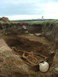 Hook head excavation
